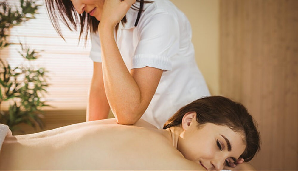 what is a deep tissue massage